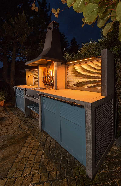 robuste massive Betonaußenküche, Feuerstelle, Arbeitsplatte, Spüle